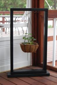 basket-plant-holder