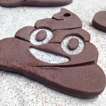 poop-emoji-ornament